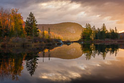 MAB-20151014-VT-MARSHFIELD-POND-SUNRISE-AUTUMN-8104274.jpg